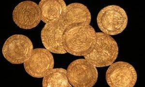 Great Discoveries: British Family Identifies King Henry VIII Gold Coins in Garden