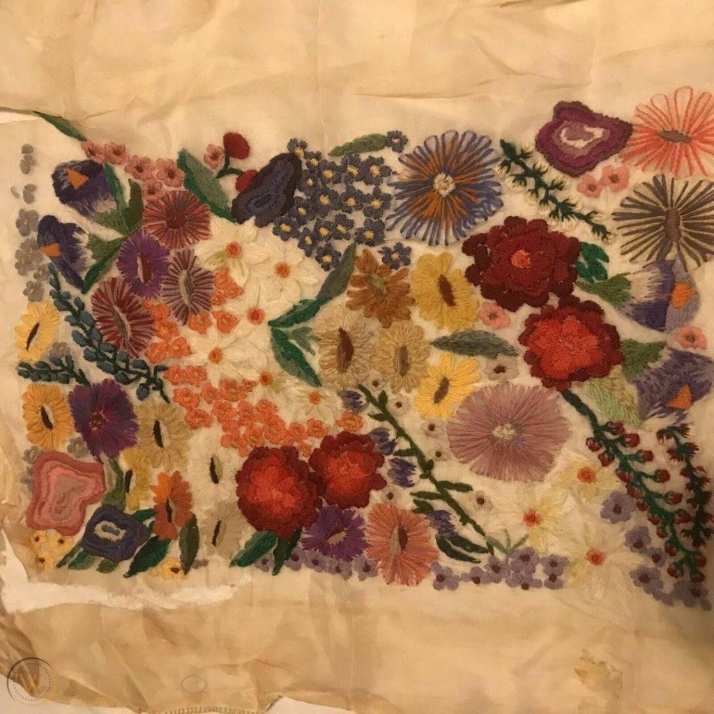 Vintage floral embroidery 1 2aa2b8ca1e4f1df7a525fa2e41a118b0