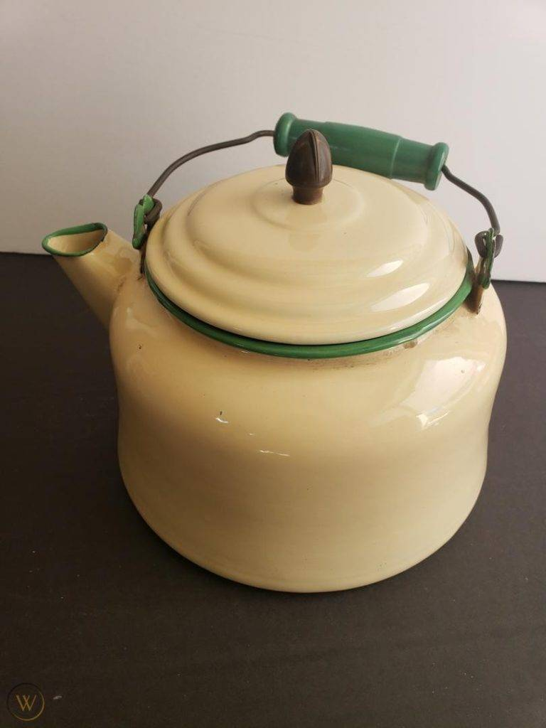 Vintage cream green tea kettle 1 647b838a8c4e77ab79aa828aa0e49cc4